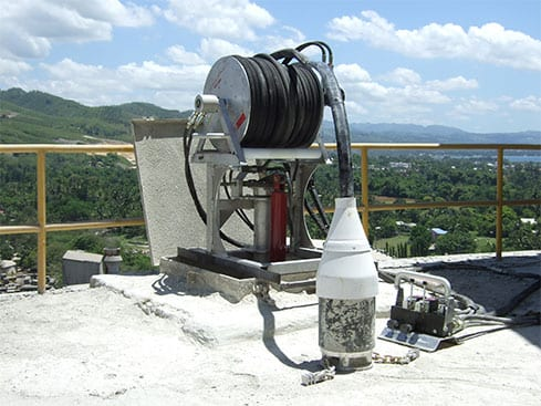 BinWhip silo cleaning system.